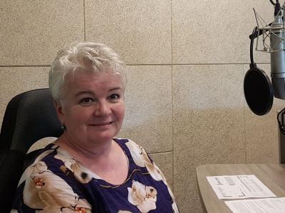 Tokrat je bila gostja radijskega srečanja mag. ALENKA RUMBAK, direktorica celjske območne službe Zavoda RS za zaposlovanje.