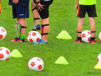 V Poljčanah je najbolj priljubljen nogomet, a otroke zanimajo različni športi, ki jih že pet desetletij spoznavajo v ŠŠD Bogdana Krajnca Poljčane. (Fotografija je simbolična. Foto: Pixabay)