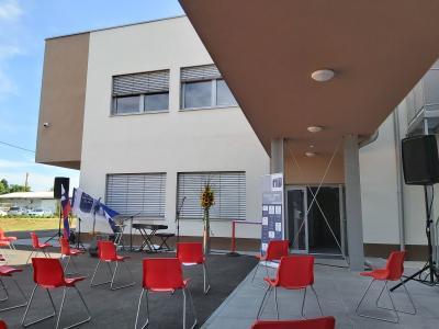 V Šolskem centru Celje se veselijo začetka novega šolskega leta v šolskih klopeh, tudi v novem prizidku. (Foto: Radio Štajerski val)