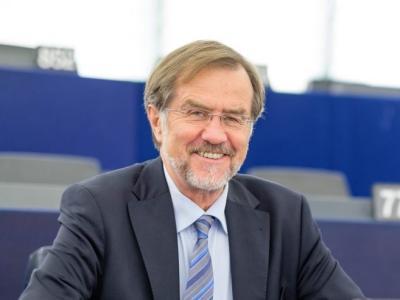 Ob 30. obletnici države Slovenije je naš gost Lojze Peterle, prvi predsednik vlade v samostojni Sloveniji in nekdanji poslanec v Evropskem parlamentu.