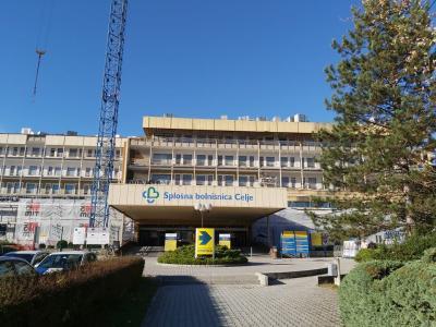 Splošna bolnišnica Celje je največja zdravstvena ustanova v celjski regiji, testiranje vseh zdravstvenih delavcev bi pomenilo velik finančni zalog in še večjega organizacijskega. (Foto: Štajerski val)
