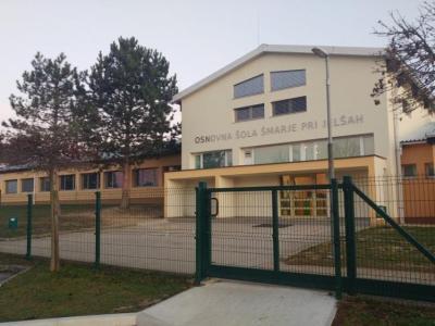Na OŠ Šmarje pri Jelšah potrdili okužbo pri več učiteljih. (Foto: Radio Štajerski val)
