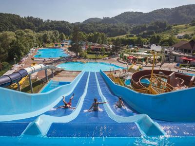 Aqualuna ponuja sprostitev in užitke vsem, ki imajo radi vodo in aktivno zabavo. (Foto: Terme Olimia)