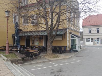 Življenje se je danes ustavilo v vsej Sloveniji, v Šmarju že nekaj dni prej. (Foto: Štajerski val)