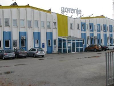 Nekdanji Gorenjev obrat je podjetje februarja zaprlo, prostori imajo zdaj novega lastnika, podjetje AS System. (Foto: Gorenje Group)
