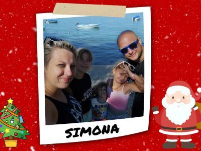 V krogu družine se Simona počuti najbolje.