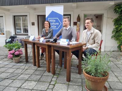 Enkraten festival in Praznik glasbe so predstavili (od leve proti desni) Nuša Komplet Peperko, Miha Firšt in Matija Kovač. (Foto: Radio Štajerski val)