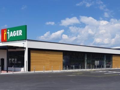 V trgovinah Jager opažajo izjemen porast nakupov preko spleta, kljub temu pa njihove poslovalnice ne samevajo. Na fotografiji je eden od najnovejših centrov, v Šentjurju.