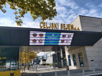 Na celjskem sejmišču bi moralo biti v sredo veliko odprtje 53. MOS-a, namesto tega je družba Celjski sejem predstavila letošnjo virtualno različico mednarodnega sejemskega dogodka, ki bo med 8. in 22. oktobrom. (Foto: Radio Štajerski val)