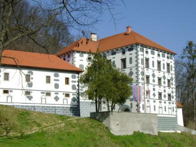 Dvorec Strmol je bil v letu 2020 najbolje obiskan objekt kulturne dediščine v občini Rogatec. (Foto: Zavod za turizem, kulturo in razvoj Rogatec)