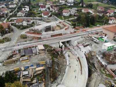 Zahtevna izgradnja podvoza v Poljčanah je po oceni župana Stanislava Kovačiča med projekti stoletja. (Foto: občina Poljčane)