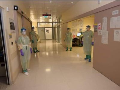 Kakšno je delo v celjski bolnišnici v času koronavirusa nam je zaupala medicinska sestra Majo Glinšek, ki sicer dela v šmarskem zdravstvenem domu. (Foto: osebni arhiv)