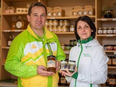 Nov izdelek s Kozjanskega priporočajo vsem ljubiteljem medu in jogurta. (Foto: Mojca Valenčak)