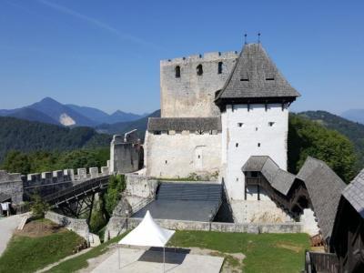 Celjski Stari grad bo tudi letos gostil podelitev Veronikine nagrade. (Foto: Štajerski val)