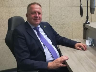 Zdravko Počivalšek, predsednik SMC, podpredsednik vlade in gospodarski minister o trenutni politični situaciji, vlogi SMC, prihodnjih volitvah in okrevanju slovenskega gospodarstva.
