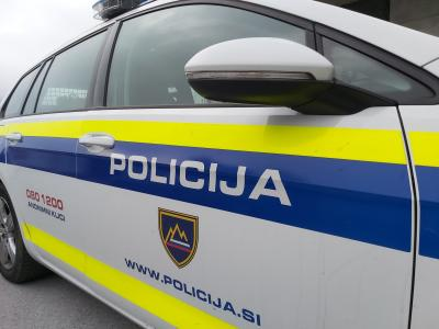 Letos so policisti PU Celje izrekli 260 ukrepov prepovedi približevanja, v enakem obdobju lani pa 272. (Foto: Radio Štajerski val)