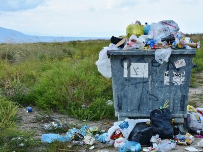 V konjiškem komunalnem podjetju se bojijo, da kmalu ne bodo več mogli odvažati smeti iz gospodinjstev. (Fotografija je simbolična)