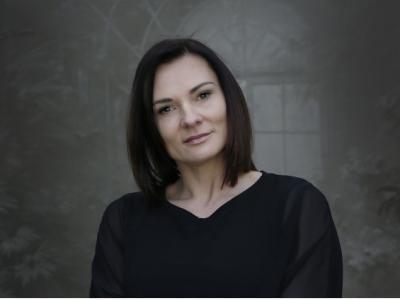 Polona Rifelj z današnjim dnem nastopa funkcijo državne sekretarke v kabinetu predsednika vlade. (Foto: Osrednja knjižnica Celje)