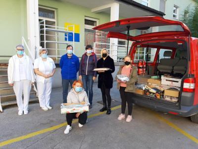 Vsaka pozornost je v napornih dneh za tiste, ki skrbijo za covid bolnike, še kako dobrodošla. (Foto: SB Celje)