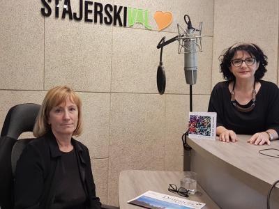 Renata Klančnik, direktorica JZ Splošna knjižnica Slovenske Konjice, in Tanja Jurjec, gostiteljica radijskega srečanja