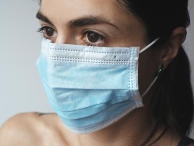 Novo leto bo praktično ves svet pričakal v boju z novim koronavirusom. (Foto: Pixabay)