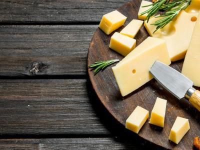 Korenine slovenskega mlekarstva in sirarstva segajo daleč v zgodovino, danes največ sira v Sloveniji pridelajo v Mlekarni Celeia.