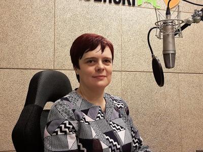 Damjana Pondelek poudarja, da tudi vodje v reševanju krize ne smejo ostati sami. V radijskem srečanju na Štajerskem valu odgovarja na ključna vprašanja, ki jih odpira kriza.
