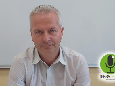 Zadnjo iskro tedna v mesecu avgustu je izrekel srednješolski ravnatelj Iztok Leskovar.