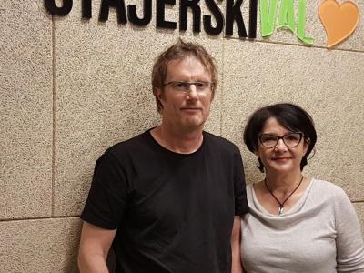 Tadej Golob, alpinist, novinar, urednik, kolumnist in pisatelj, z gostiteljico radijskega srečanja Tanjo Jurjec