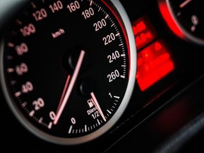 Med vožnjo bodite strpni in nikoli za volan ne sedite pod vplivom alkohola!