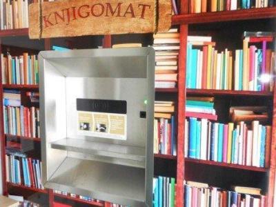 Gradivo je v osrednji knjižnici v Slovenski Bistrici možno vrniti samo preko knjigomata. (Foto: Knjižnica Josipa Vošnjaka Slovenska Bistrica)