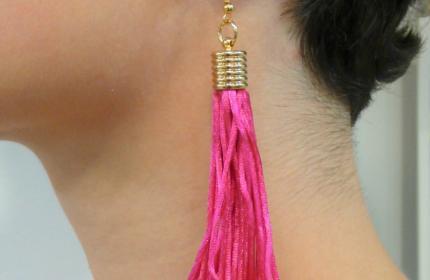 Viseči uhani iz pletene satenaste vrvice
