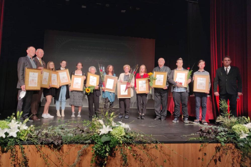 Šentjurski nagrajenci z županom. (Foto: Štajerski val)