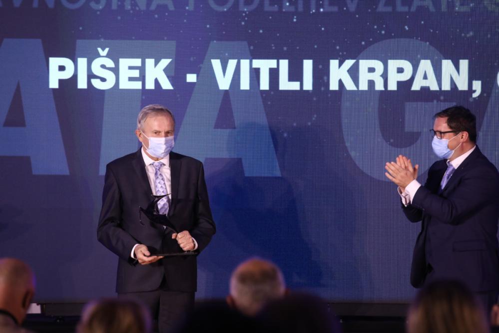 Ustanovitelj in direktor podjetja Vitli Krpan, priznanega po izdelovanju vitlov in ostale gozdarskeg mehanizacije, je Franc Pišek. (Foto: Luka Cjuha/Dnevnik)