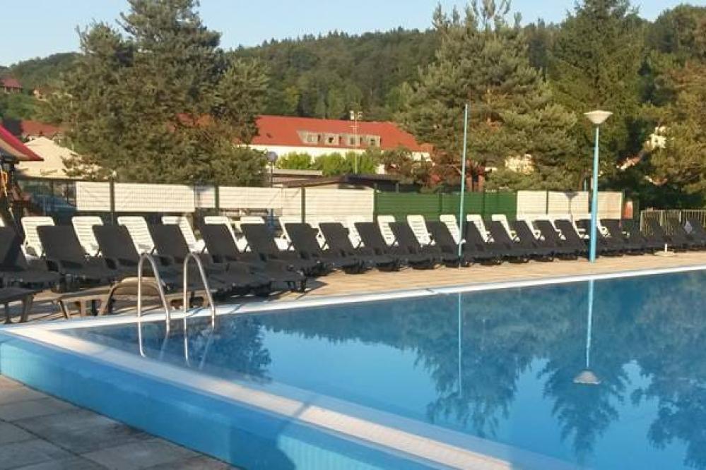 V Šentjurju so letos prenovili bazen, prihodnje leto si obetajo še tobogane. (Foto: FB Bazen Šentjur)